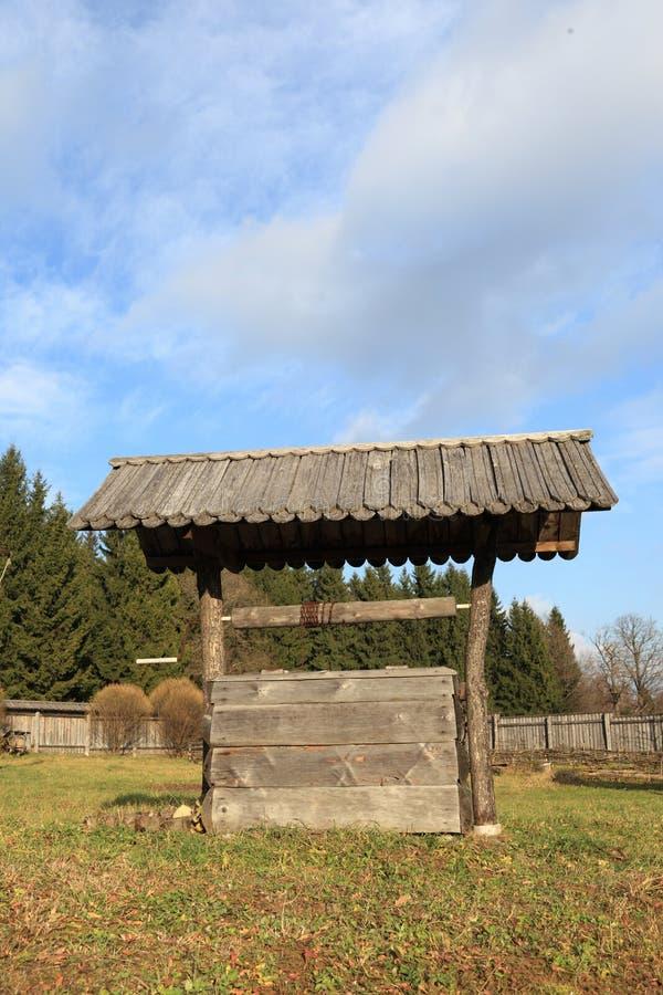 Poço de madeira imagem de stock royalty free