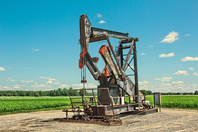Poço de petróleo fotografia de stock royalty free