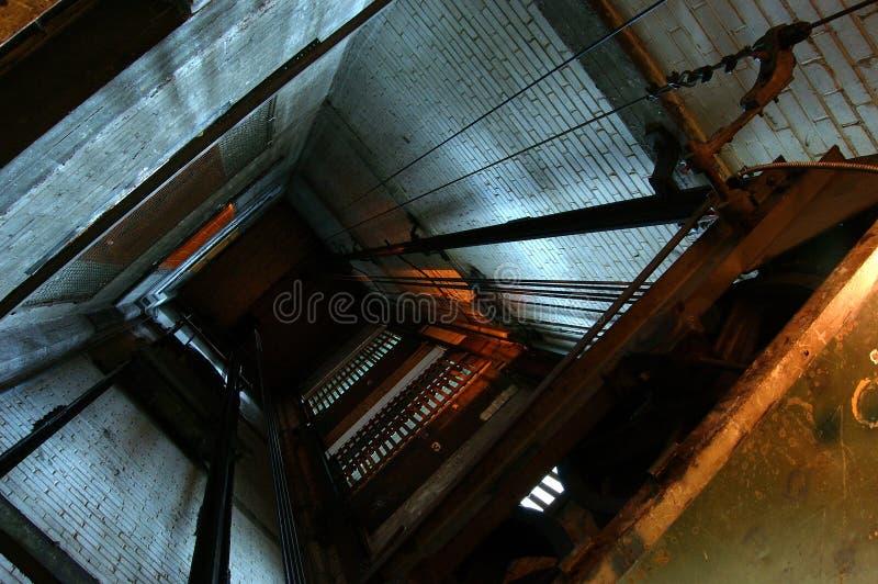 Poço do elevador imagens de stock