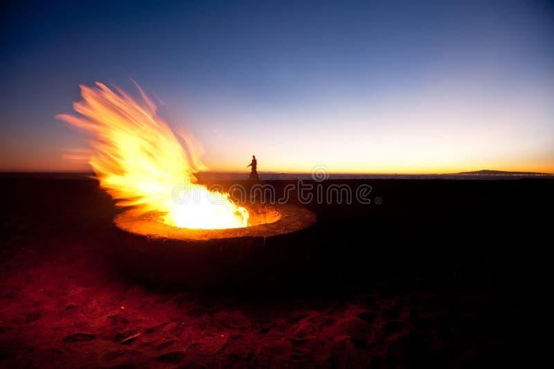 Poço do incêndio da praia imagens de stock
