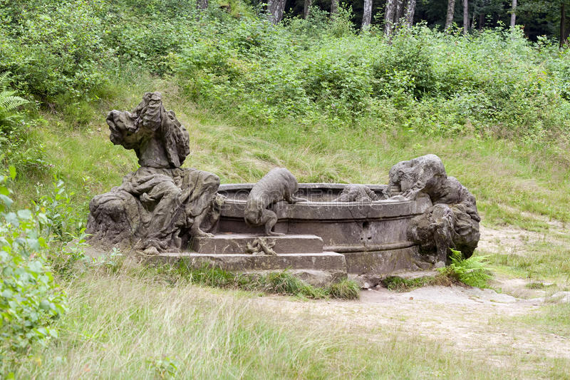 Poço KUks Forest Sculptures de Jacobs fotos de stock
