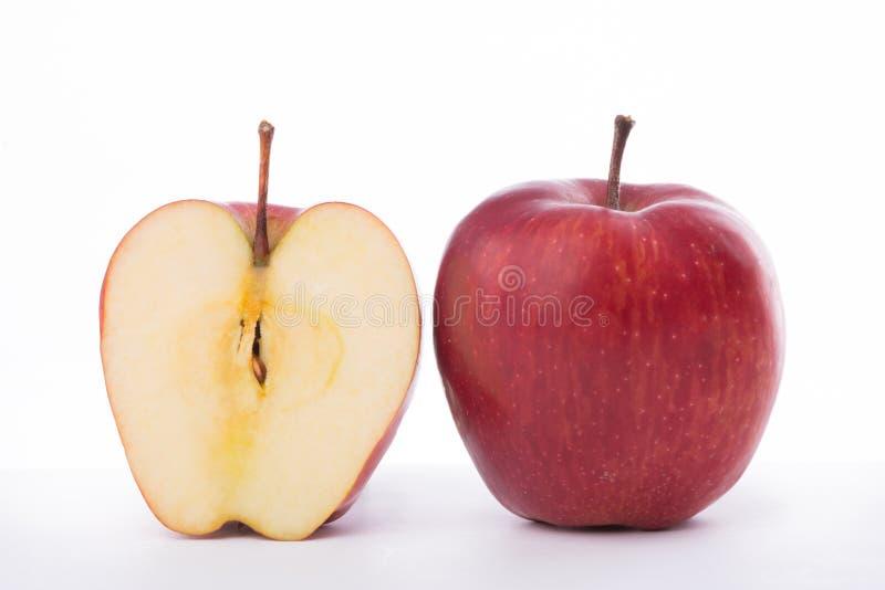 Połówka jabłka na białym tle fotografia royalty free