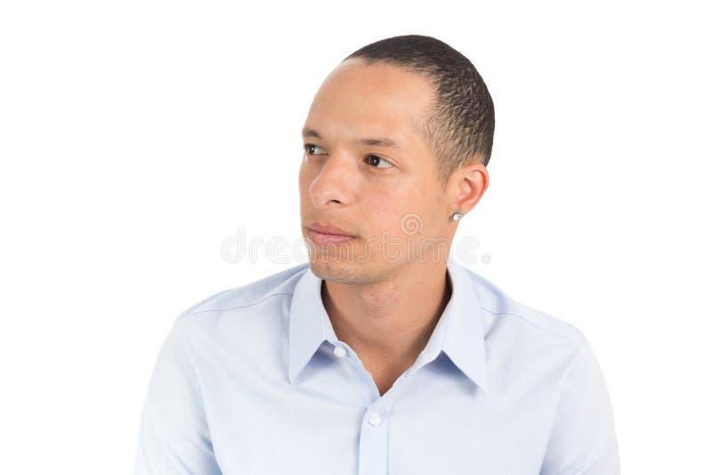Połówka profil poważny mężczyzna Latyno-amerykański jest ubranym błękitny socjalny zdjęcia stock