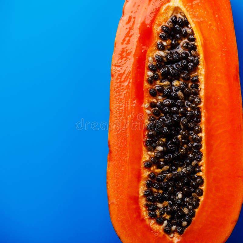 Połówki cięcie dojrzała melonowiec owoc obraz royalty free