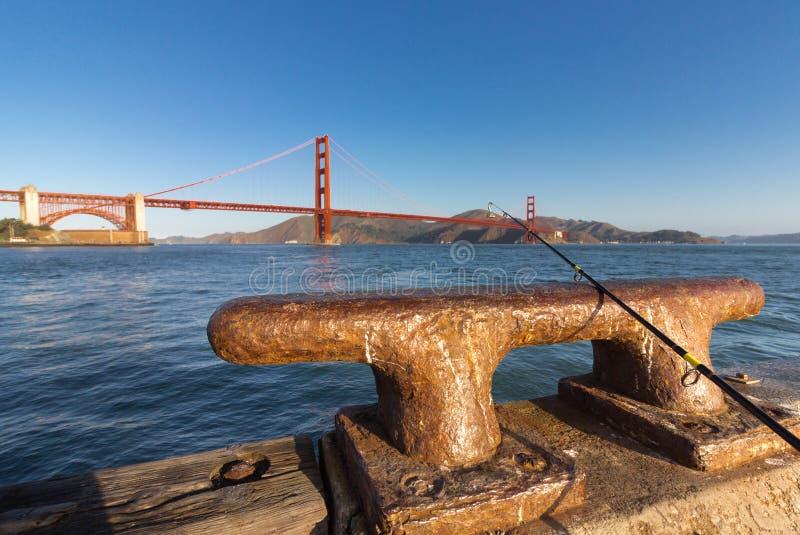 Połowu prącie na żelaznym doku cleat obrazy royalty free