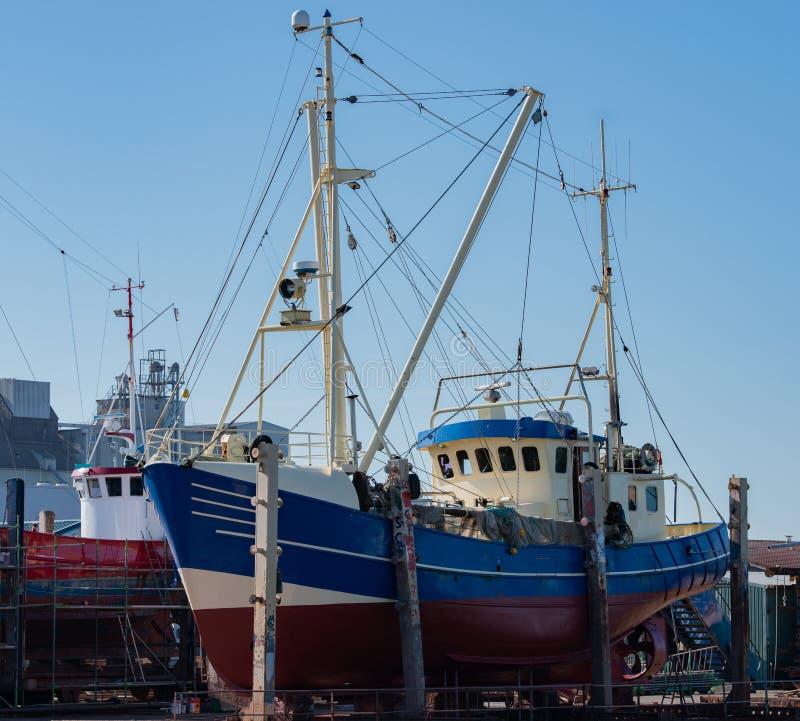 Połowu schronienie w Północnym morzu Holstein z różnorodnymi rybimi krajaczami zdjęcie stock