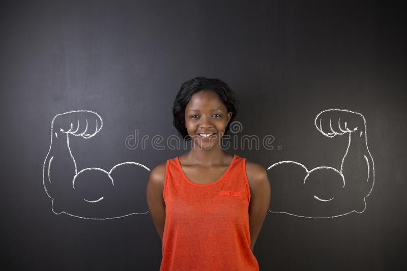 Południe - afrykanin lub amerykanin afrykańskiego pochodzenia kobieta z zdrowymi silnej ręki mięśniami dla sukcesu zdjęcie stock