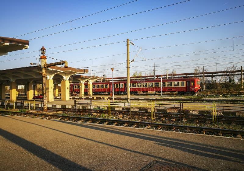 Południowa stacja kolejowa w Ploiesti mieście, Rumunia zdjęcie stock