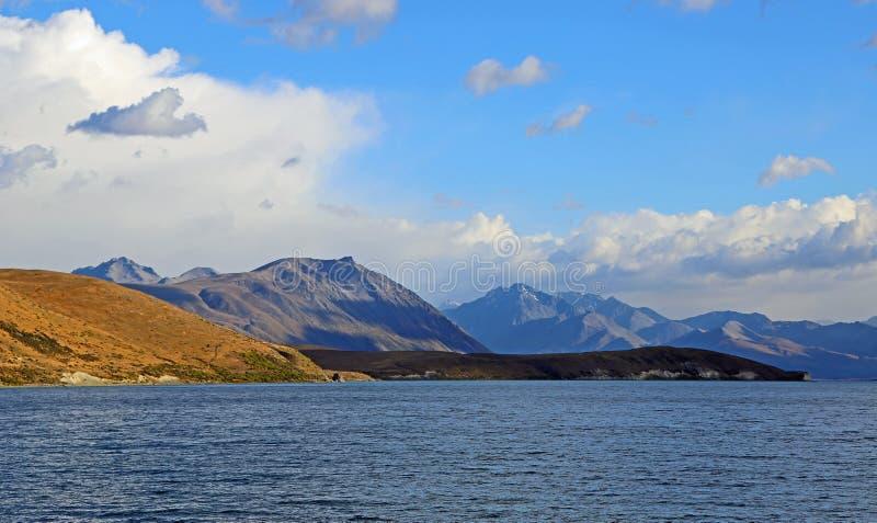 Południowi Alps na Jeziornym Tekapo fotografia stock