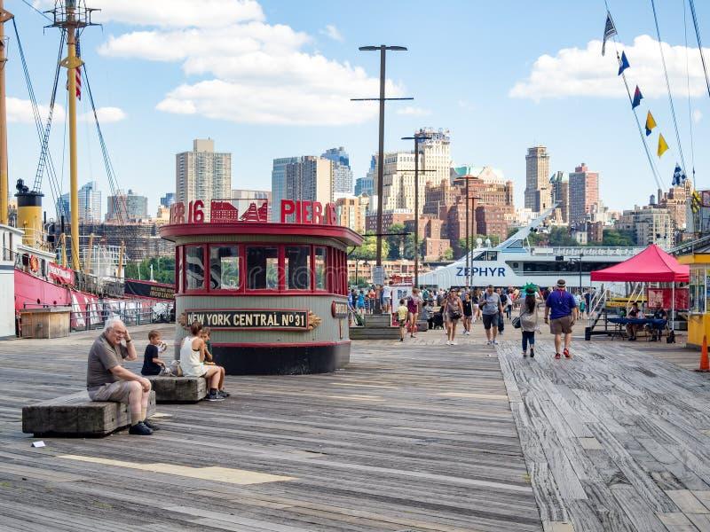 Południowy Uliczny port morski w w centrum Manhattan fotografia stock