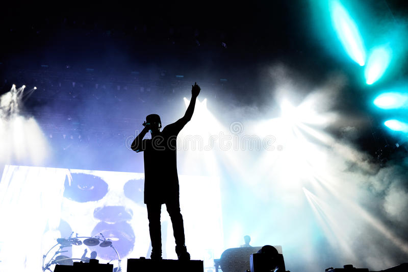 Pościg & status wykonujemy przy kłamstewko festiwalem (Brytyjski elektronicznej muzyki produkci duetu zespół) zdjęcia stock