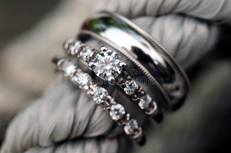 poślubić pierścieni obrazy stock