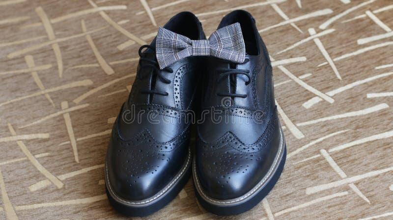 Poślubiać buty i łęku krawat zdjęcia stock