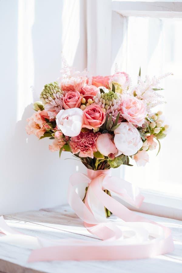 Poślubiać kwiaty, bridal bukieta zbliżenie zdjęcie royalty free