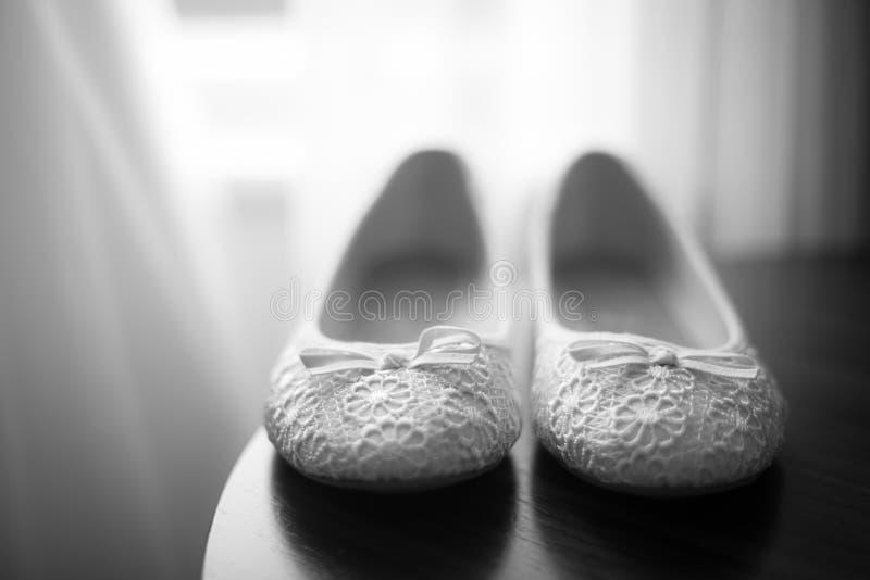 Poślubiający buty przygotowywających spaceru puszek nawa zdjęcie stock