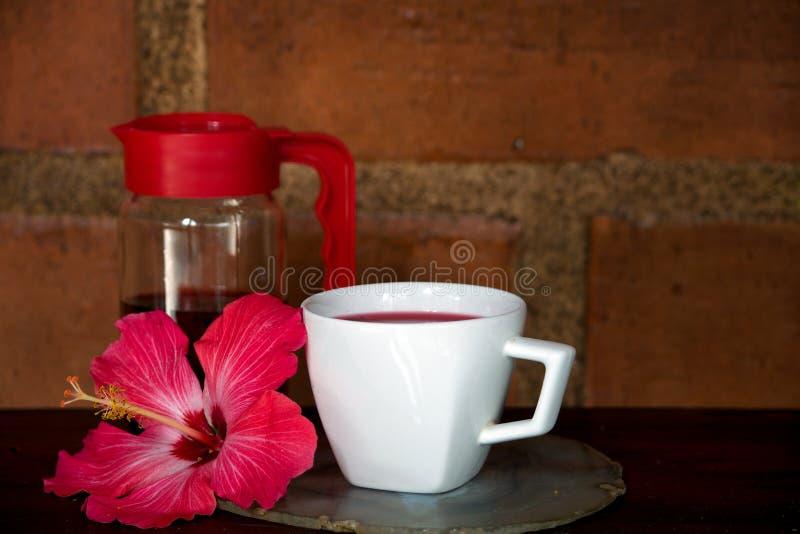 Poślubnik herbata na drewnianym stole fotografia royalty free