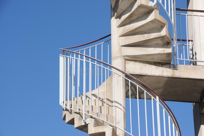 Pożarnicza ucieczka, corkscrew schody w nękaniu obraz royalty free