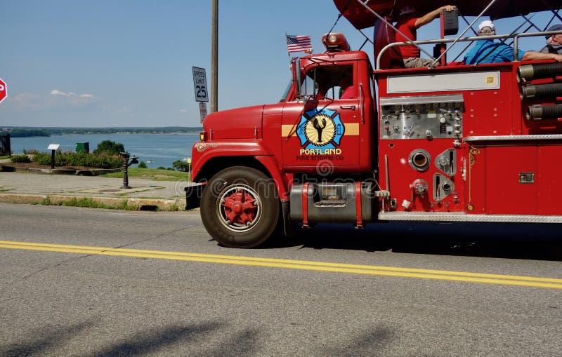 Pożarniczego silnika nadmorski z homarem zdjęcia stock