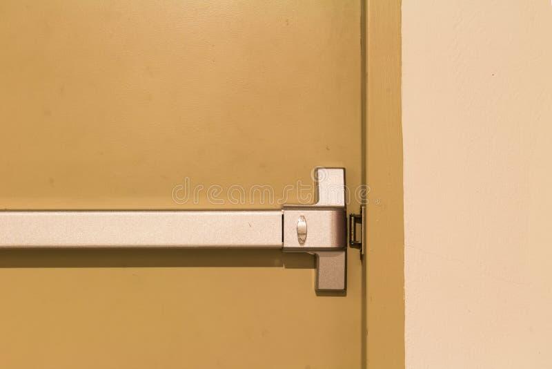 Pożarniczej ucieczki Drzwiowa rękojeść zdjęcie royalty free