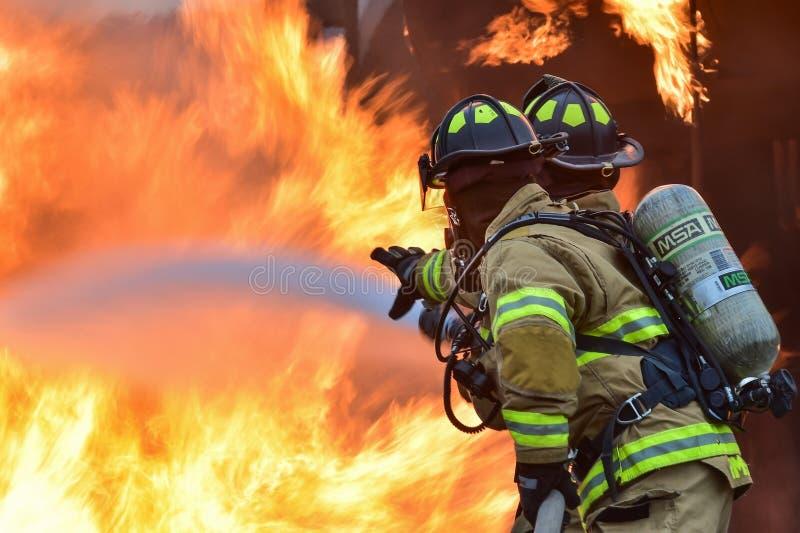 pożarniczy target1349_1_ pożarniczy palacze zdjęcie royalty free