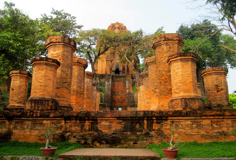 Po Nagar寺庙塔废墟在越南,亚洲 库存照片