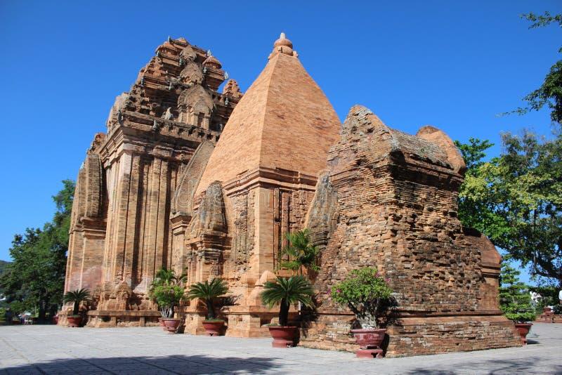 Po Nagar - πύργος ναών Cham, αρχαίος βιετναμέζικος ναός στοκ φωτογραφία