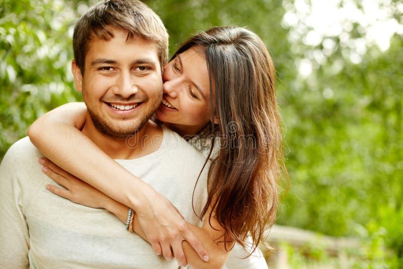 Download Po prostu szczęśliwy obraz stock. Obraz złożonej z flirty - 28967453