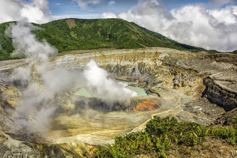 Poas火山火山口 库存照片