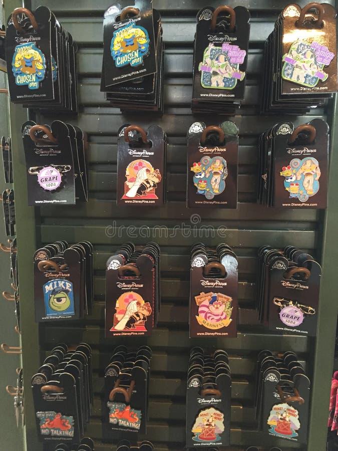 Poborcy ` s szpilki przy Disney prezenta sklepem zdjęcie stock