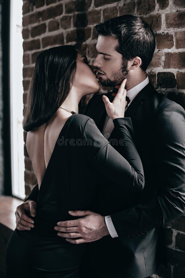 pocałunek d200 nikon oferty ślub zdjęcie stock