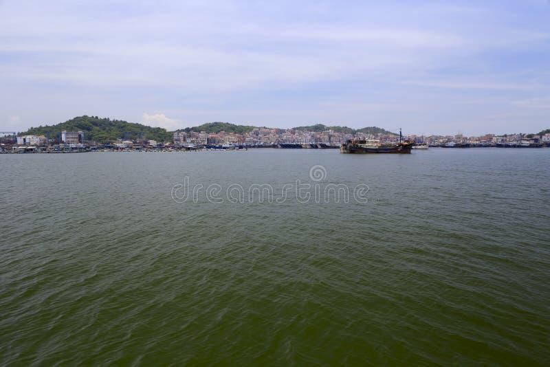 A poca distancia de la costa de la isla del wuyu, ciudad del zhangzhou foto de archivo libre de regalías