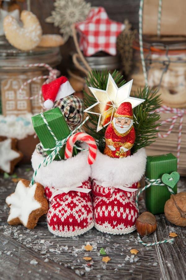 Pocas botas de la Navidad fotos de archivo