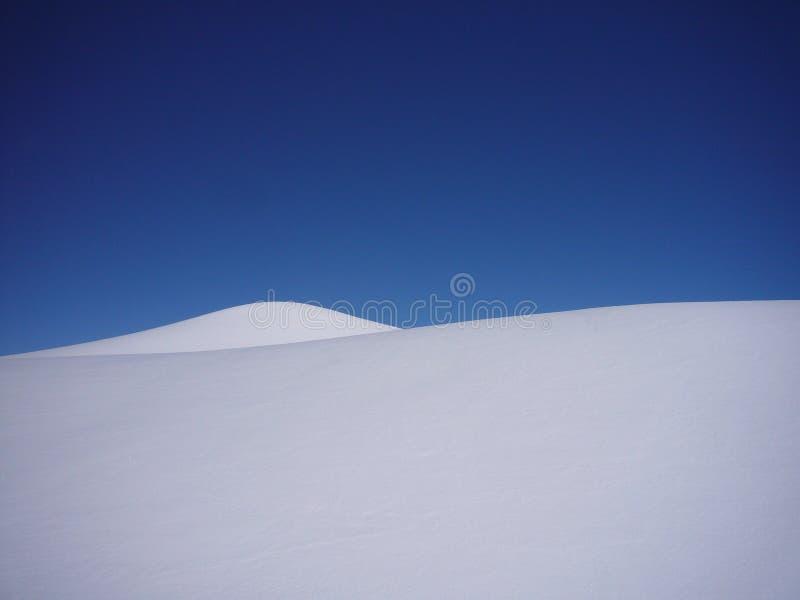 Pocas colinas de la nieve imagen de archivo libre de regalías