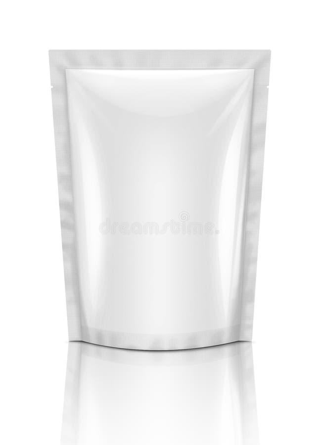 Poche vide de casse-croûte d'emballage d'isolement sur le blanc images stock