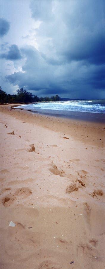 pochmurno dzień na plaży obrazy stock