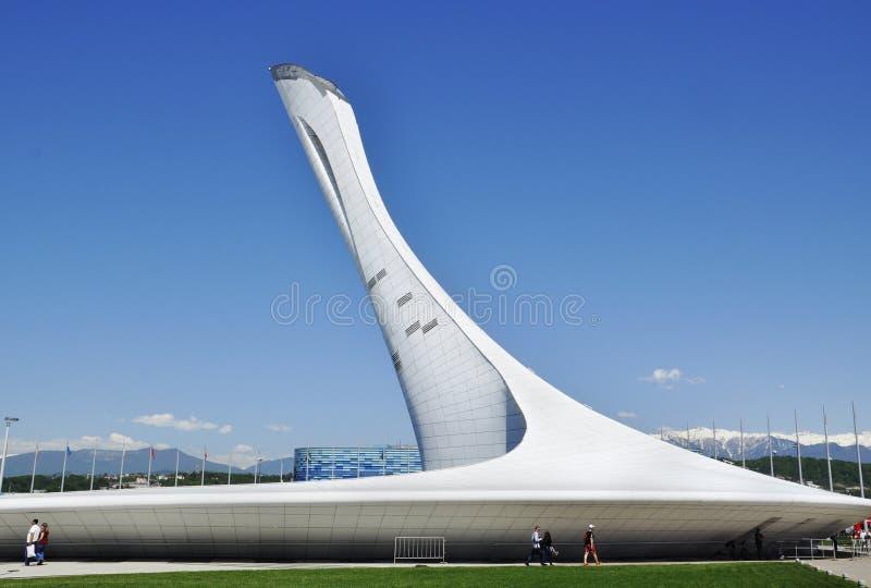 Pochodnia Olimpijski płomień przy Olimpijskim parkiem w Sochi fotografia royalty free