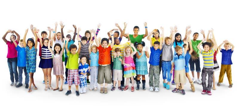 Pochodzenie etniczne różnorodność Gorup dzieciak przyjaźni Rozochocony pojęcie fotografia stock