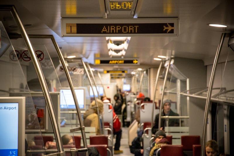 Pociągów następnie przerwa jest lotniskowa fotografia stock