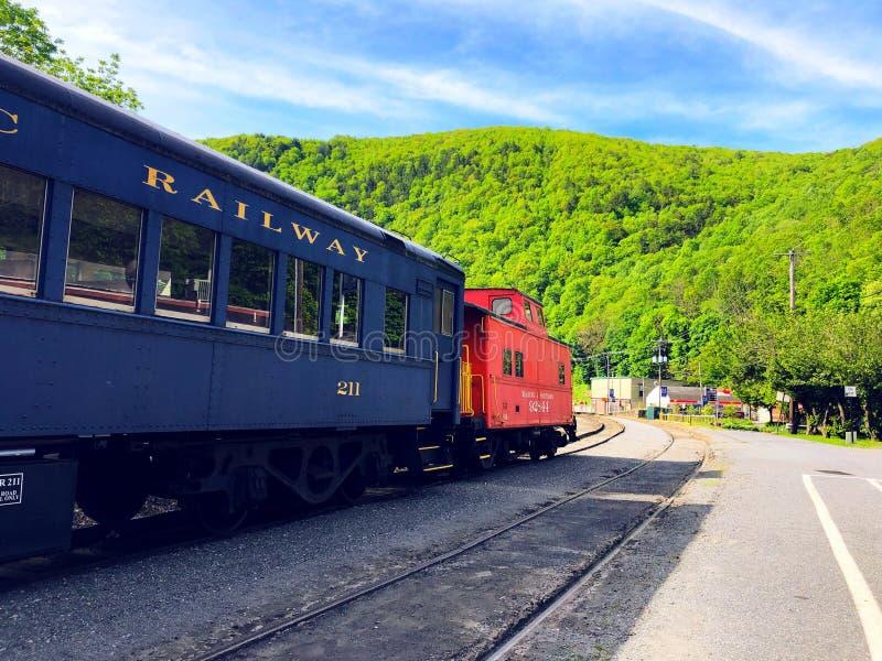 Pociąg od Jim Thorpe stacji obrazy royalty free