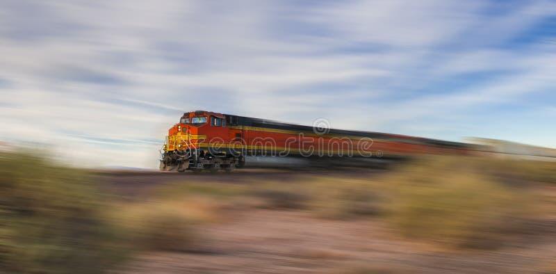 Pociąg towarowy przy wysoką prędkością obraz royalty free