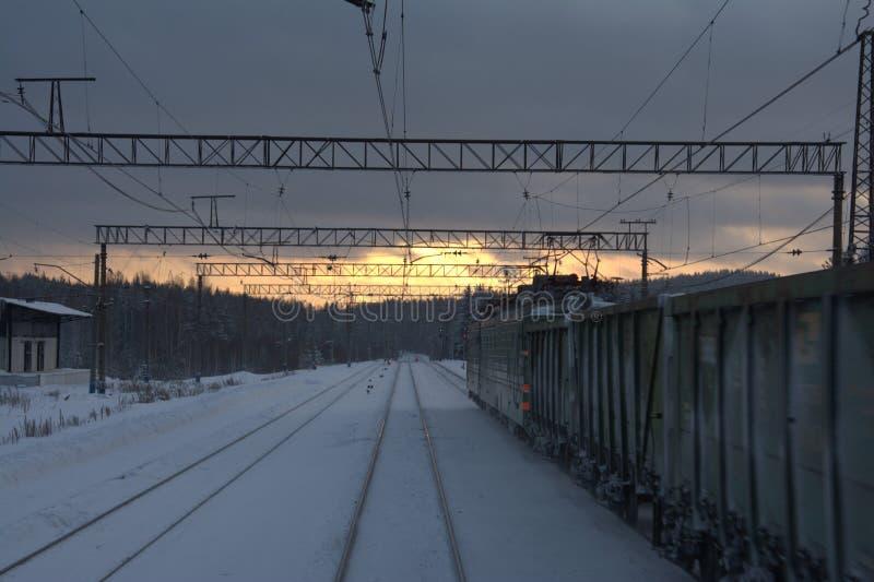 Pociąg w nocy zdjęcie stock