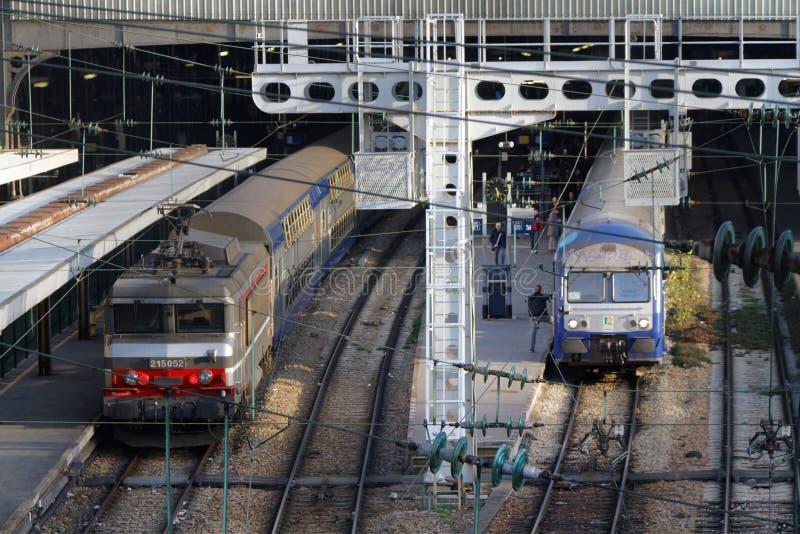 Pociągi w Paryskiej świętego Lazare staci obrazy stock