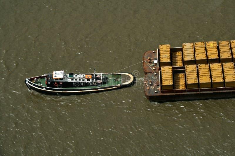 pociągnij pojemniki łodzi odmówić tug ' a obraz royalty free