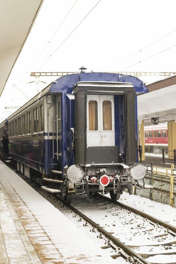 Pociągu pasażerskiego samochód stacjonujący fotografia royalty free