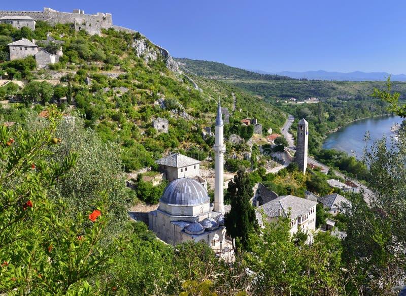 Pocitelj - moské i Bosnien och Hercegovina arkivfoto