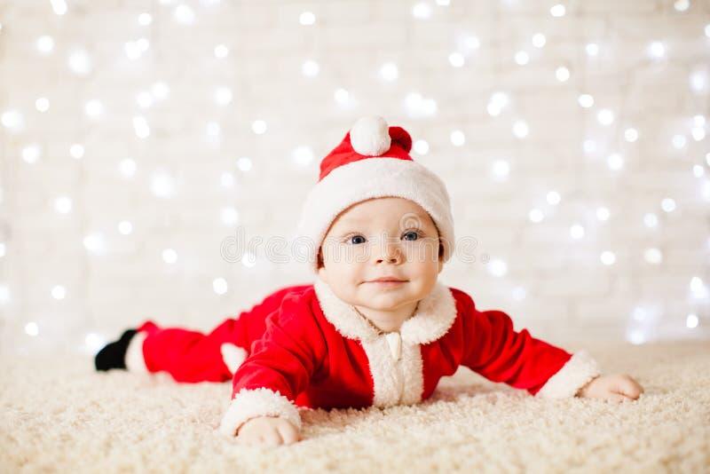 Poco bebé de Papá Noel fotografía de archivo