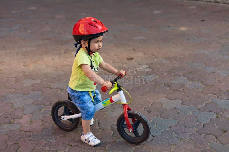 Poco conductor de la bicicleta fotografía de archivo