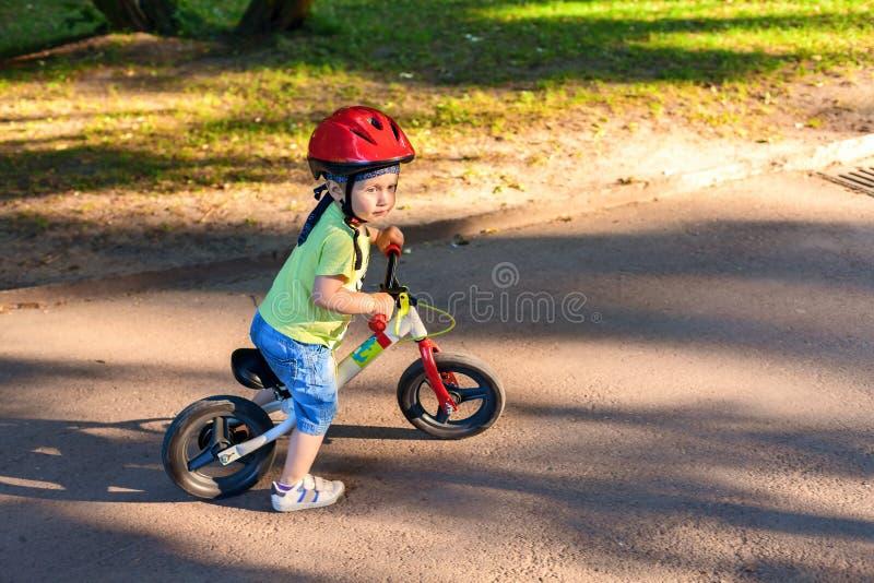 Poco conductor de la bicicleta foto de archivo libre de regalías