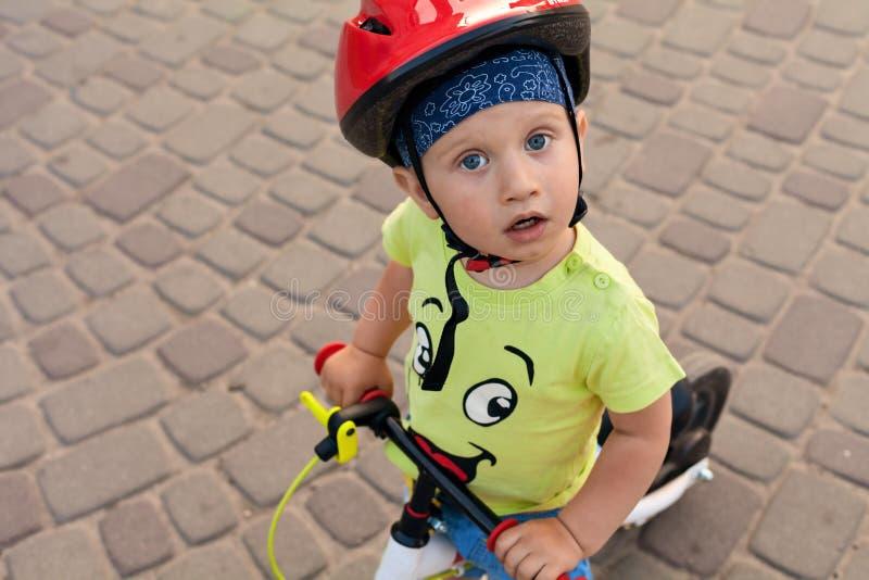 Poco conductor de la bicicleta fotos de archivo libres de regalías