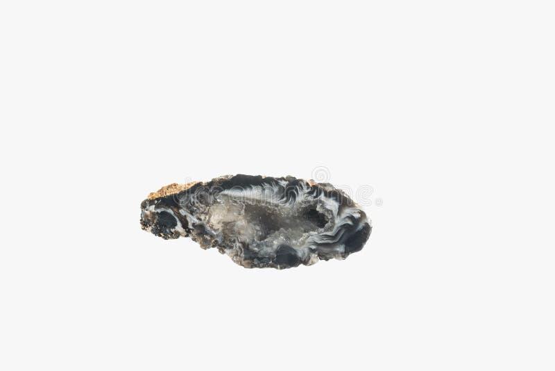 Poco geode della pietra del Chalcedony dal Brasile ha isolato immagini stock libere da diritti